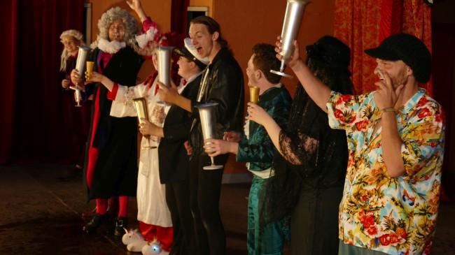 DER WIDERSPENSTIGEN ZÄHMUNG von William Shakespeare (Sommerbühne) Galerie 2